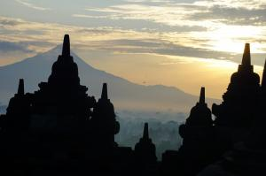 BOROBUDUR SUNRISE JOGJA CITY TOUR PRAMBANAN SUNSET