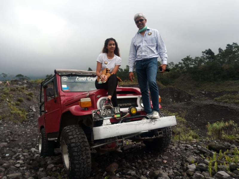 BOROBUDUR LAVA TOUR MERAPI BY JEEP PRAMBANAN SUNSET