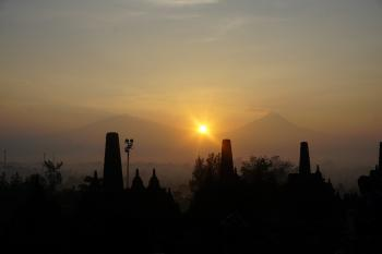 BOROBUDUR SUNRISE PLUS PRAMBANAN BOKO SUNSET