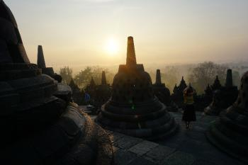 BOROBUDUR SUNRISE PLUS PRAMBANAN SUNSET